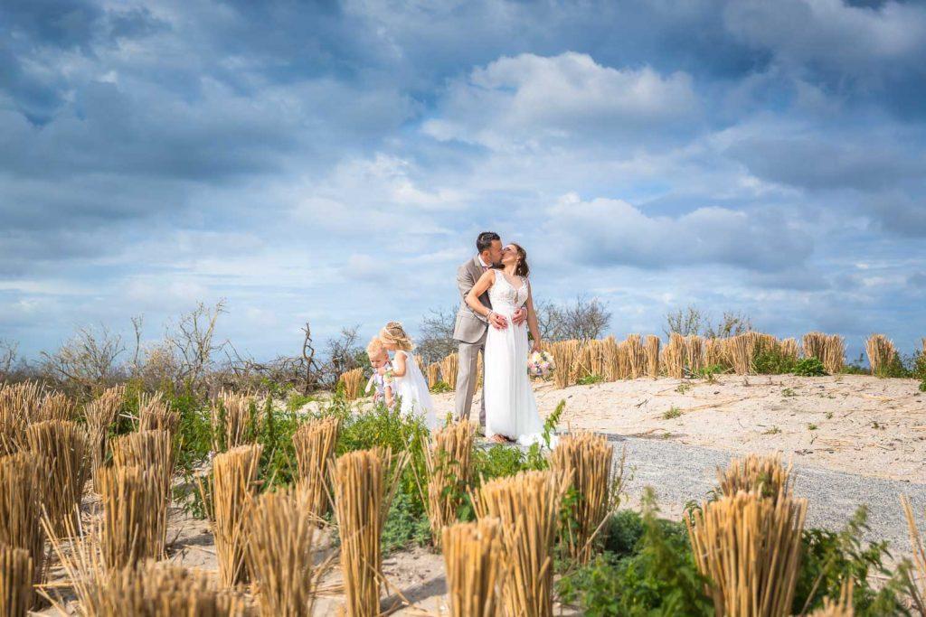 2018, Anouk Raaphorst fotografie, Beach, Bruid, Bruidegom, Bruidsfotografie, Huwelijk, I Shoot Love Bruidsfotografie, ISL Website, Imagesalon, Loveshoot, MyWed, Trouwen, Trouwreportage, Trouwreportages, Wedisson, Westland, bruiloft, huwelijksfotografie, website