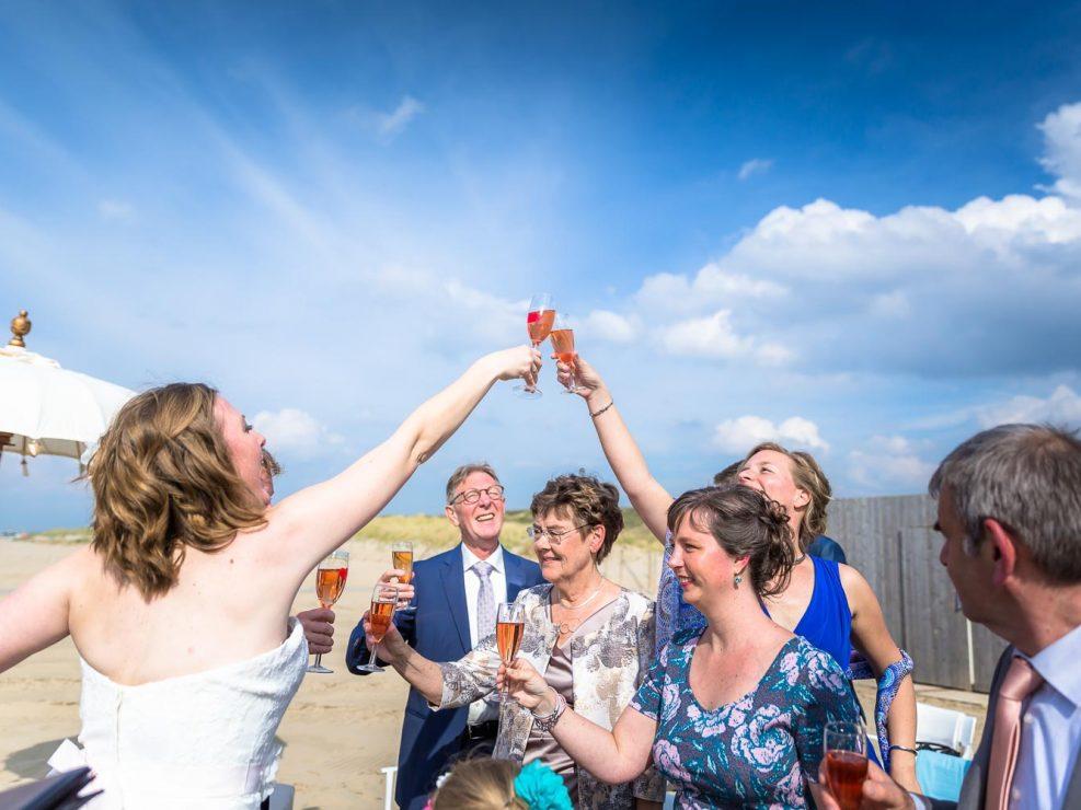 Anouk Raaphorst fotografie, Beach, Bruidegom, Bruidsfotografie, Huwelijk, I Shoot Love Bruidsfotografie, ISL Website, Strand, Trouwen, Trouwreportage, Westland, bruiloft, huwelijksfotografie, spontane trouwreportages