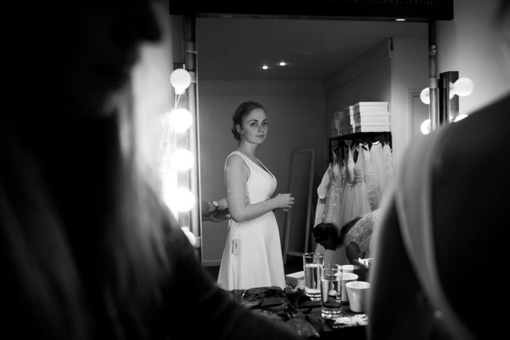 Bruidsfotografie, Bruidskleding